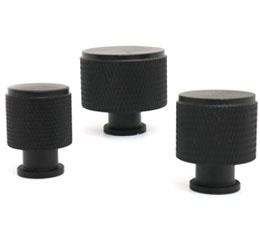 ידיות כפתור לארונות ומגירות דגם K-9093 שחור מט ב-3 גדלים